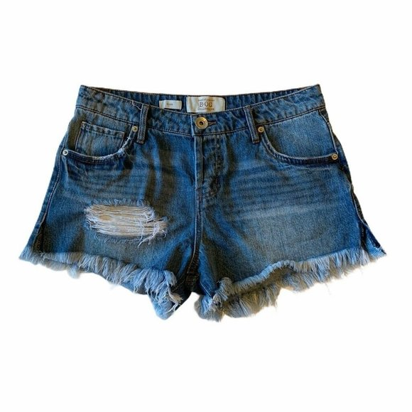Band Of Gypsies Rose Jean Shorts Blue Frayed 25